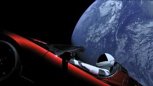 Η SpaceX στέλνει το πρώτο αυτοκίνητο στο διάστημα!!! (LIVE VIDEO)