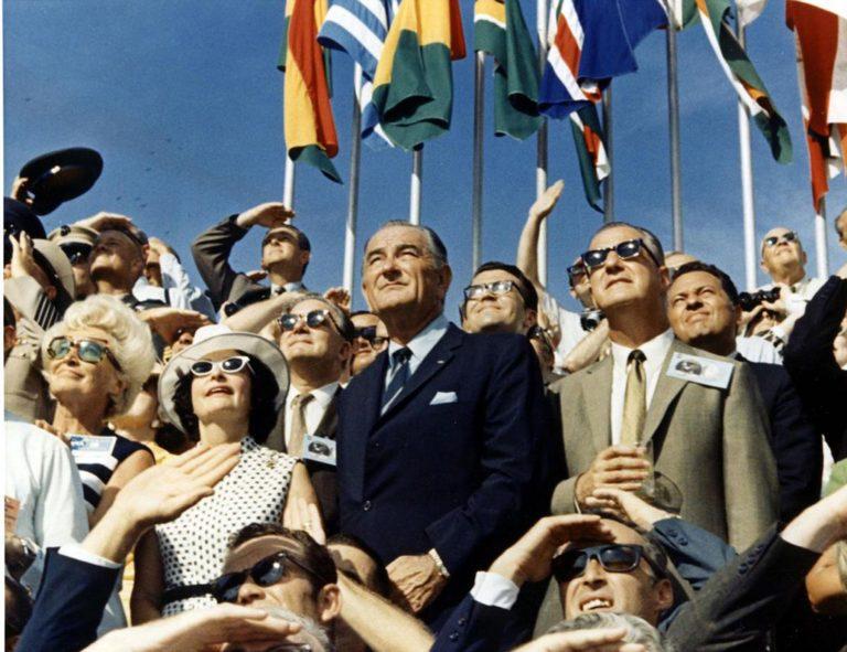 Apollo 50: Η πολιτική πίσω από την προσελήνωση
