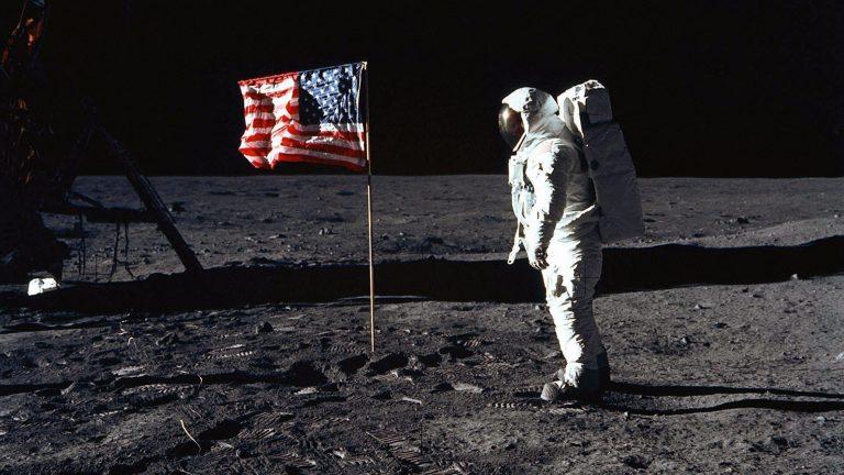Apollo 50: Η κούρσα του διαστήματος