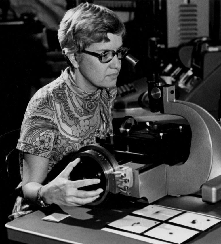 Η Vera Rubin και το τηλεσκόπιό της
